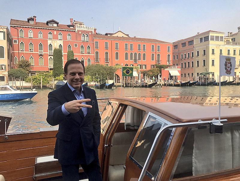 O prefeito de São Paulo  esteve em Veneza, Itália, em outubro de 2017; excesso de viagens também foi criticado
