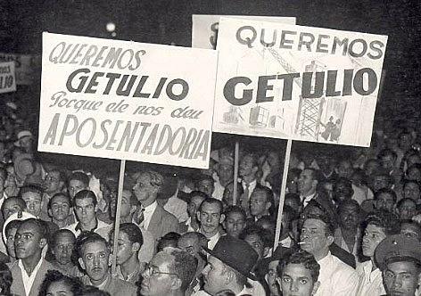 Críticos afirmam que Vargas se inspirou em Mussolini para criar CLT