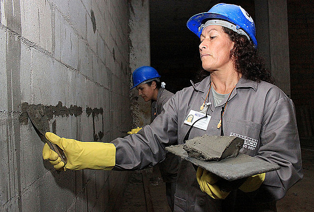 Las mujeres serán las más penalizadas por la reforma laboral propuesta por el presidente golpista, Michel Temer