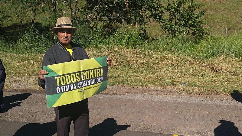 Trabalhador rural do Sudoeste do Paraná durante o ato na BR 163