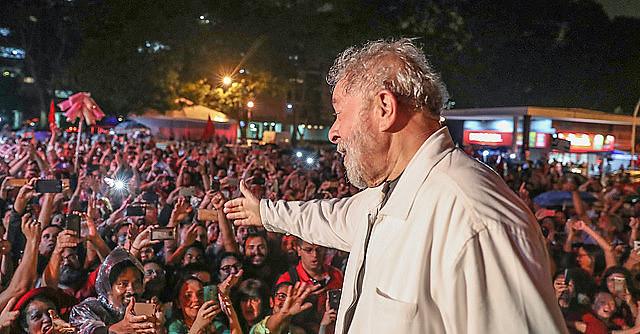 Muitos são os motivos que estão levando o povo brasileiro a se organizar em caravanas para participar de um grande ato de cidadania.