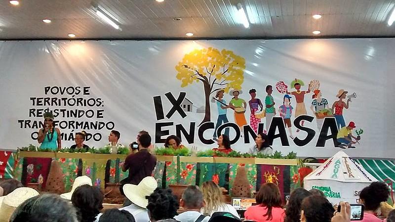 O IX ENCONASA, que acontece na cidade de Mossoró (RN), abriu a manhã desta terça-feira com o painel Povos e Territórios: Resistindo e Transformando o Semiárido.