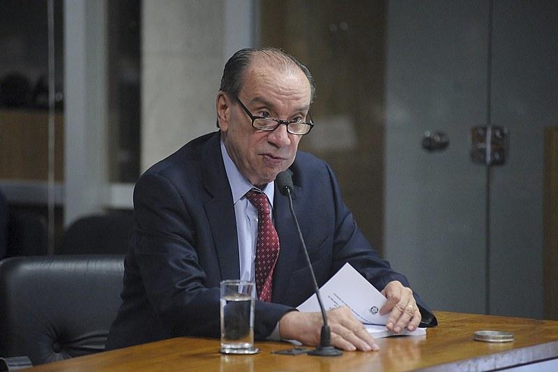 Aloysio Nunes (PSDB-SP) é alvo de um inquérito no Superior Tribunal Federal (STF) por suposta prática de crime eleitoral