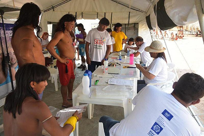 A atenção à saúde indígena é regida por uma política nacional, voltada à proteção, promoção e recuperação