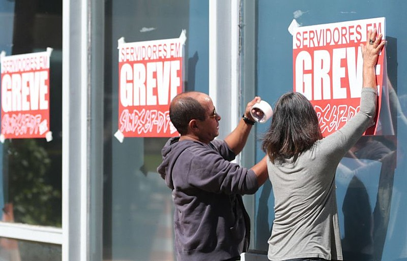 Em Brasília (DF), servidores públicos participam de greve por melhores condições de trabalho