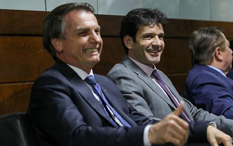 Jairo Bolsonaro e o ministro do Turismo, Marcelo Álvaro Antônio