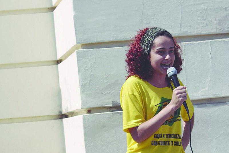 Mahara: Na falta do SUS, serão as mulheres quem cuidarão dos doentes