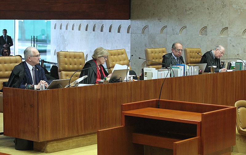 Ministros do STF durante sessão plenária