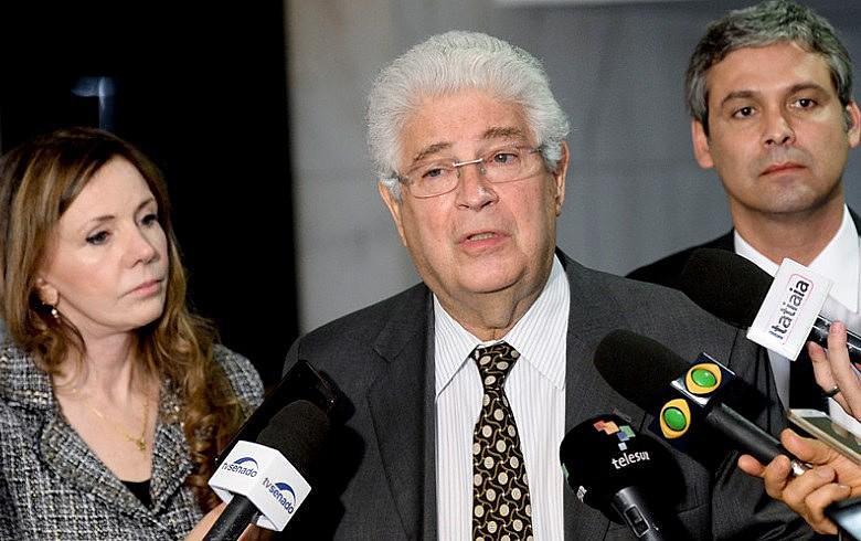 Senadores Gleisi Hoffmann, Roberto Requião e Lindbergh Farias estão à frente da oposição
