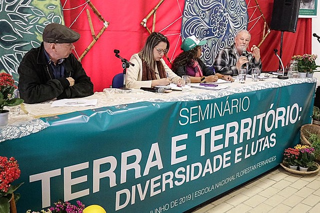 Seminar unites entities, social movements and intellectuals and rural workers in defense of the environment
