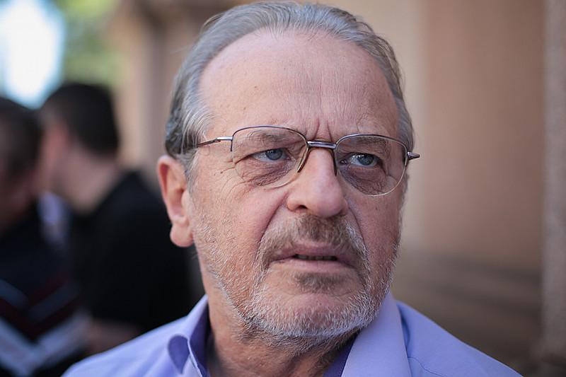 """""""Hoje, o golpismo é um processo mais complexo, que avança no terreno da democracia política"""", analisou Genro"""