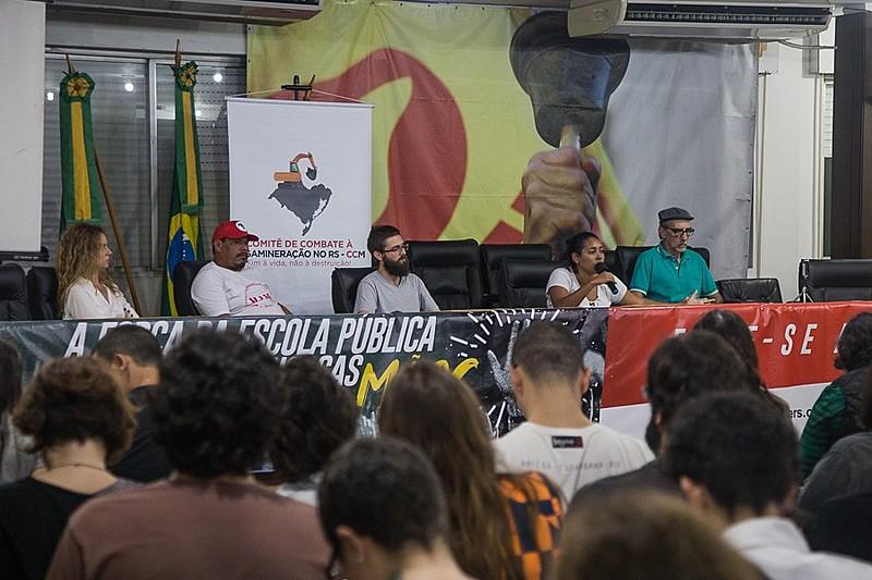 Lançamento do Comitê de Combate à Megamineração no RS lotou auditório do CPERS Sindicato