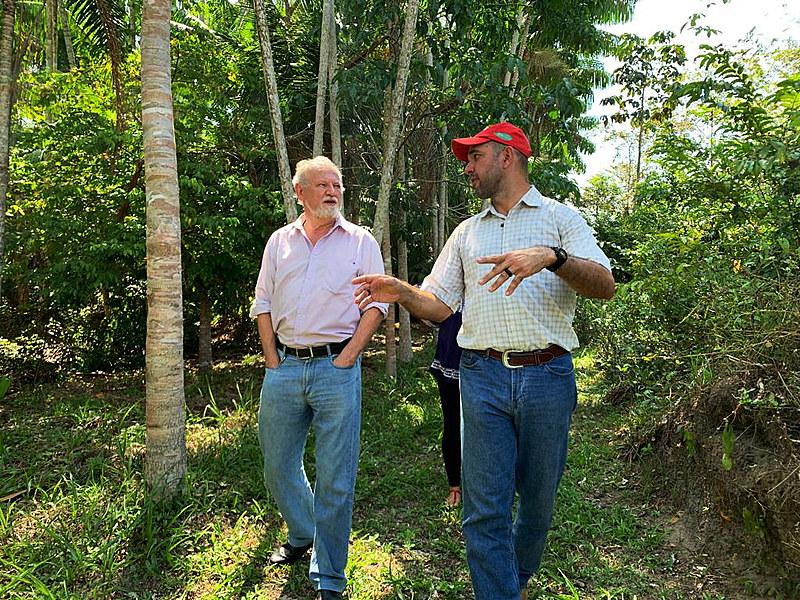 Pela manhã, Stedile visitou a experiência agroecológica do assentamento Mártires de Abril, em Mosqueiro, distrito da capital paraense