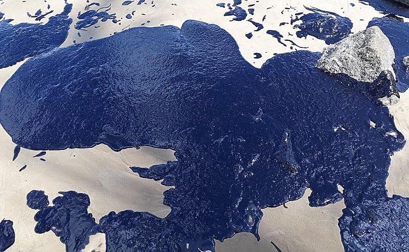 No mínimo, 200 praias do Nordeste foram atingidas por óleo.