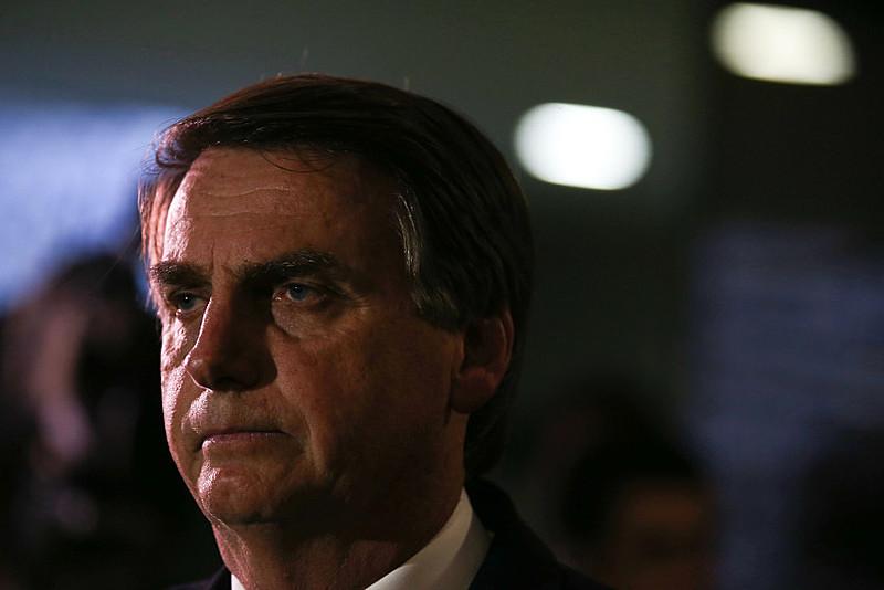 O primeiro furo é a resistência de Bolsonaro como opção da direita, que apostava em Alckmin e vitaminou o monstro apenas como boi de piranha