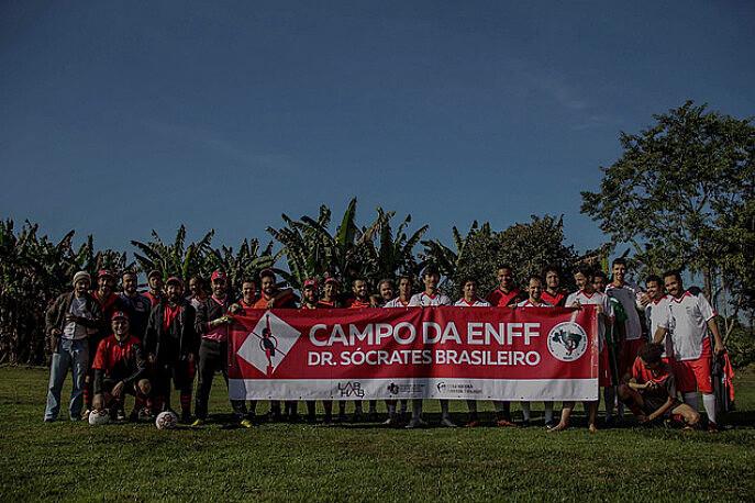 Jogo amistoso entre o time da ENFF e o Autônomos Futebol Clube abriu as atividades da campanha
