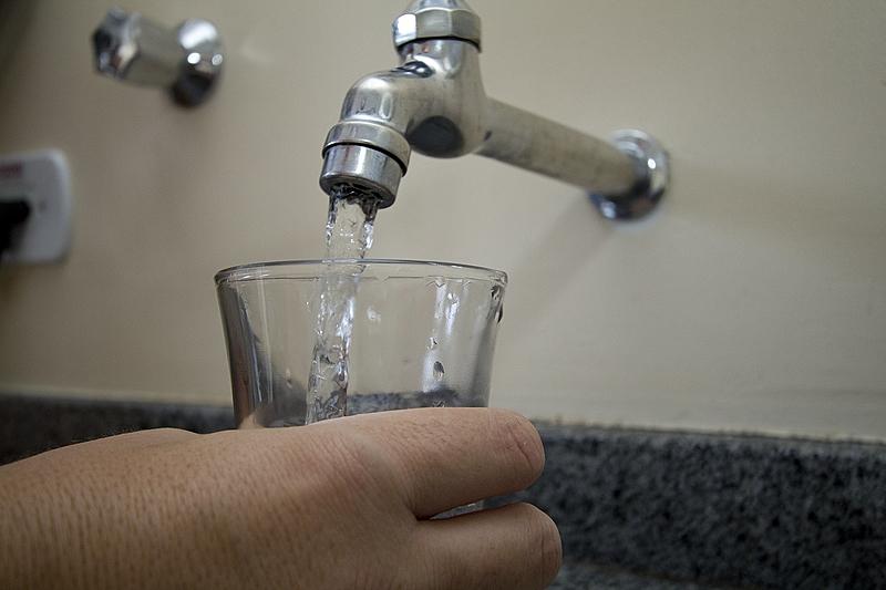 torneira agua