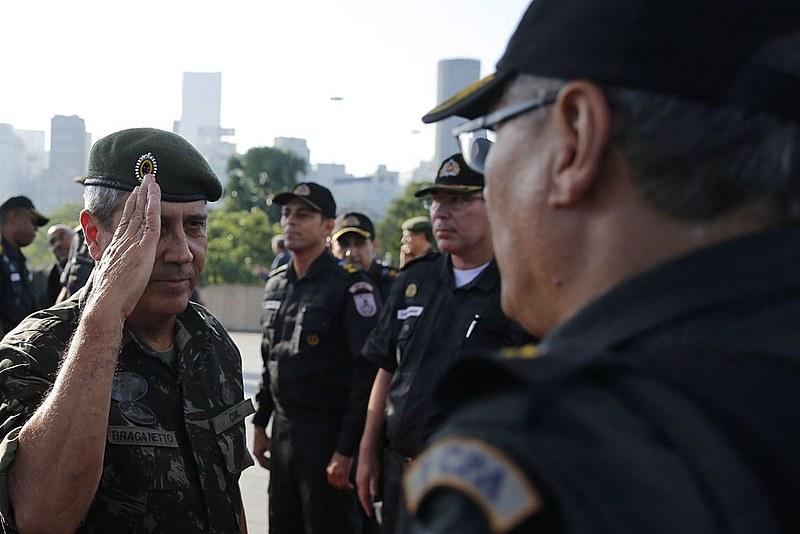 O interventor federal na segurança pública do estado do Rio de Janeiro, general Walter Braga Netto, durante solenidade no Rio