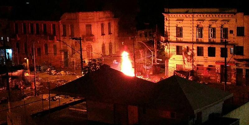 Polícia Militar usou bombas e gás lacrimogêneo; oito pessoas foram detidas.