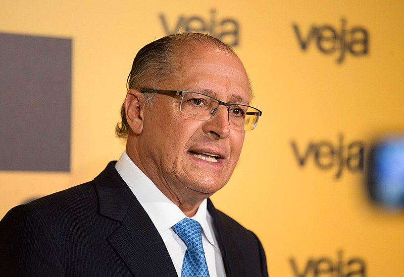 Alckmin foi diretamente beneficiado pela derrocada política de Aécio Neves