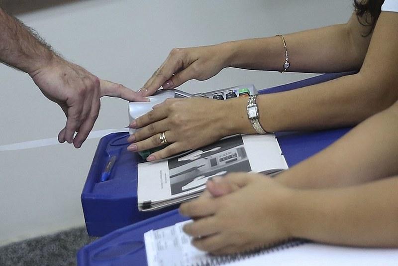 Quatorze estados devem realizar o segundo turno das eleições para governador no próximo dia 28 de outubro