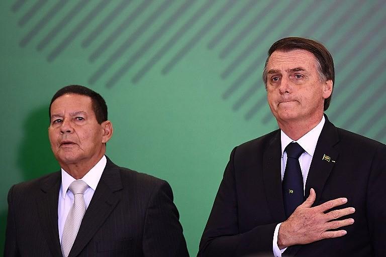 Relação entre as declarações do vice-presidente Mourão e de Bolsonaro expõe conflitos internos que desagradam diferentes setores