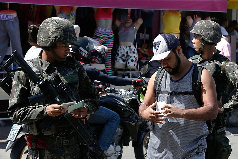 Uma série de transformações já podem ser notadas no dia a dia dos moradores das favelas e áreas de conflito da capital