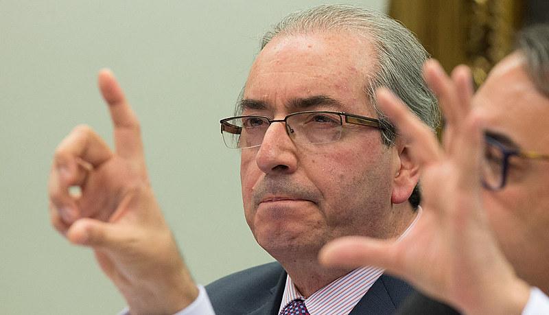 Parlamentar é acusado de ter quebrado decoro parlamentar ao ter mentido em CPI sobre existência de contas bancárias no exterior