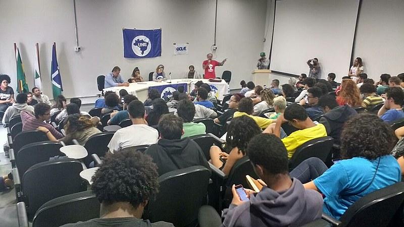 Encontro reúne cerca de 150 estudantes secundaristas e universitários na UnB, em Brasília