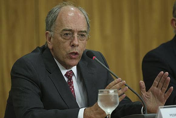 """Em 2001, quando ocupava a chefia do Ministério de Minas e Energia, Pedro Parente foi apelidado como """"ministro do apagão"""""""