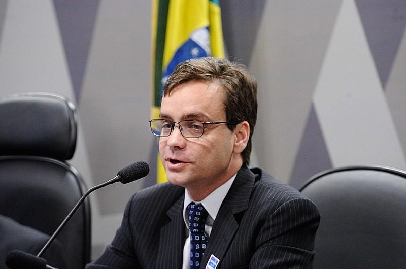 Rocha  advoga para o próprio PMDB e outras figuras do partido, como Henrique Alves e o próprioTemer