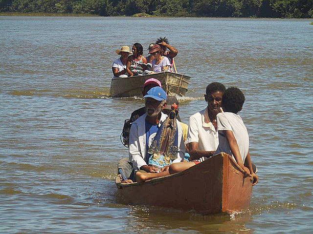 No Norte de Minas Gerais, comunidades vivem às margens do rio São Francisco, de onde retiram o sustento