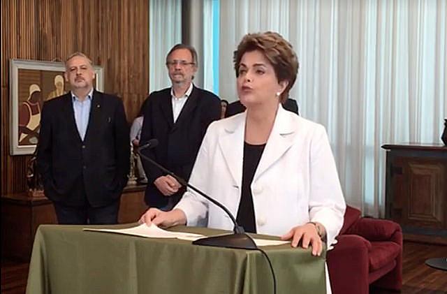 Dilma Rousseff durante el pronunciamento en la tarde del martes (16)