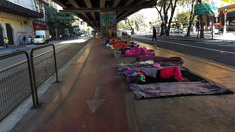Segundo dados de 2015, quase 16 mil pessoas estão em situação de rua em SP