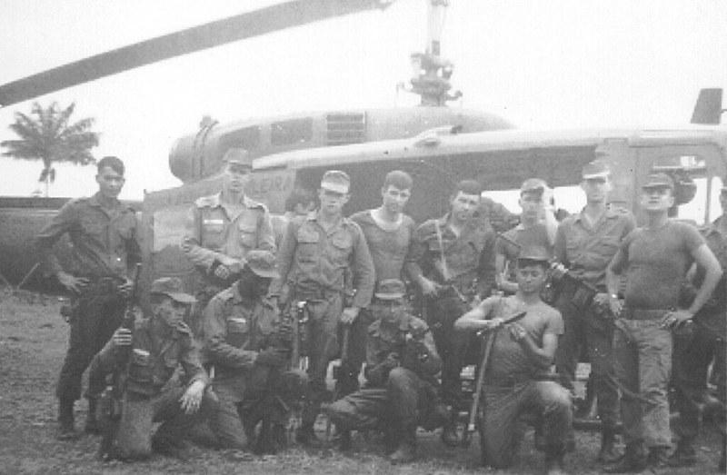 A guerrilha do Araguaia ocorreu entre os anos de 1972 e 1975 e foi um movimento de combate ao governo militar no Brasil