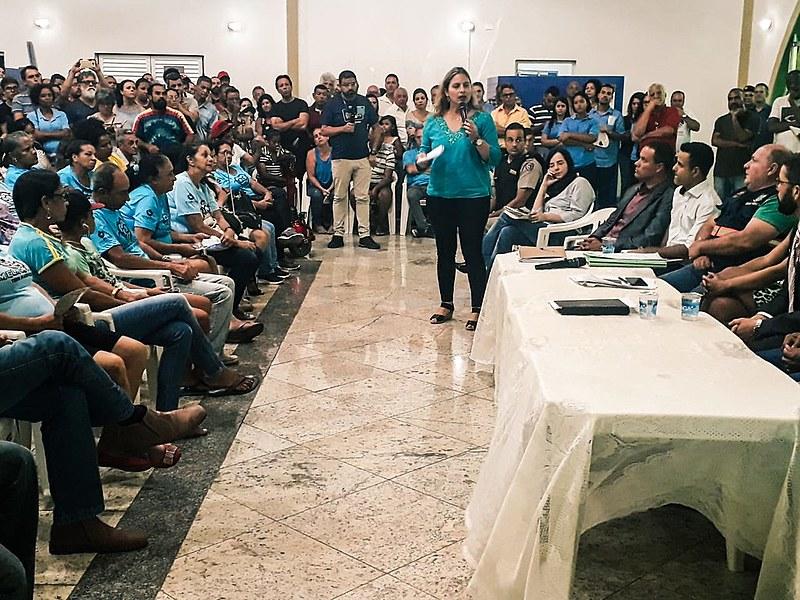 Audiência pública na cidade de Sarzedo-MG reuniu mais de 500 pessoas, nesta segunda-feira (04)