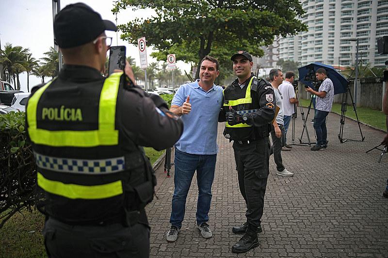 Senador eleito, Flávio Bolsonaro (PSL) alegou ter foro privilegiado no Supremo e pediu a anulação das provas recolhidas pelo Coaf