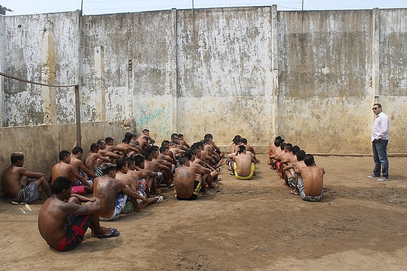 Governo não pode entregar a quarta maior população carcerária do mundo à iniciativa privada