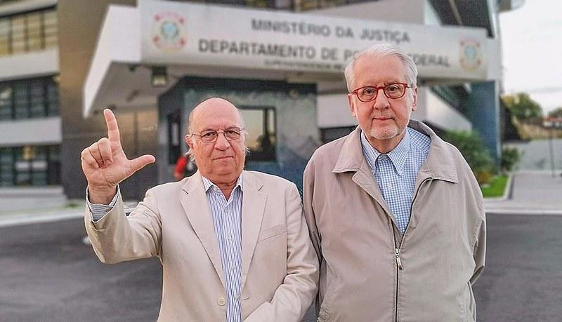 O ex-ministros de Direitos Humanos, Paulo Sérgio Pinheiro, e Paulo Vannuchi, relatam visita ao ex-presidente Lula realizada nesta quinta (2)