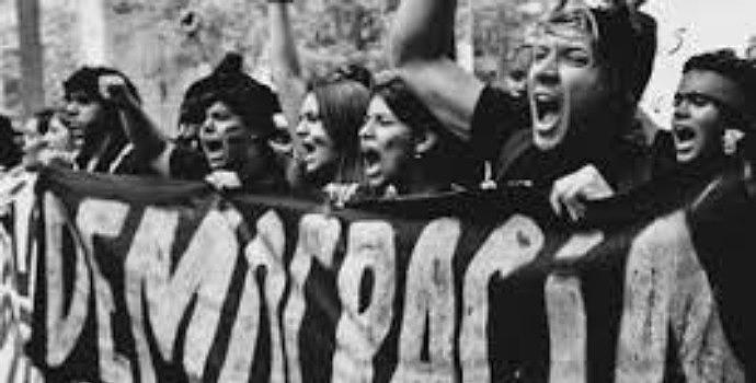 """""""Com o fascismo, cai o mito de que as massas sempre fazem as 'melhores escolhas'"""""""