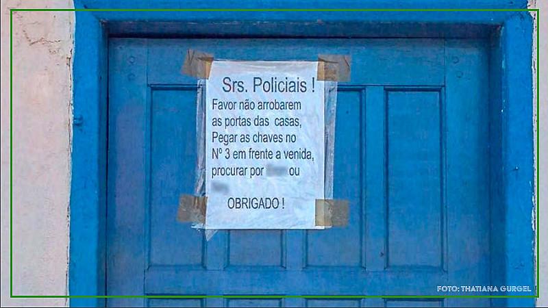 Invasão a domicílios, subtração de bens e danos ao patrimônio de residências fazem parte do cotidiano nas favelas do Rio de Janeiro
