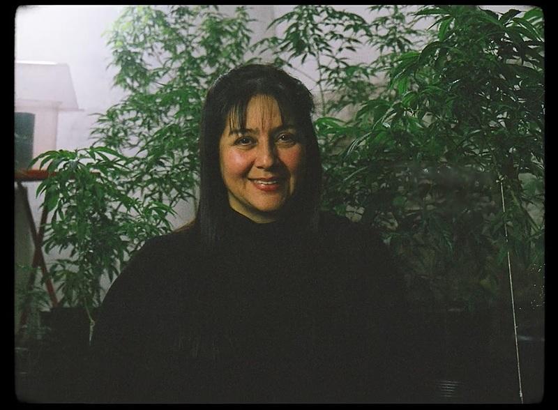 Cidinha Carvalho, uma das personagens do filme, conseguiu habeas corpus na justiça para plantar maconha usada em tratamento da filha