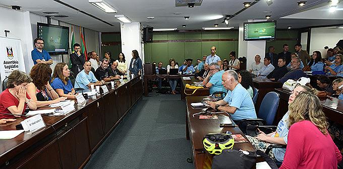 Atividade foi realizada no Plenarinho da Assembleia Legislativa do RS