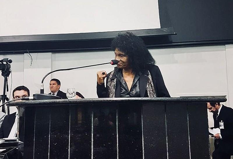 Maria do Socorro, presidenta da Cainquiama, durante sessão pública na Assembleia Legislativa do Pará realizada nesta segunda (12)