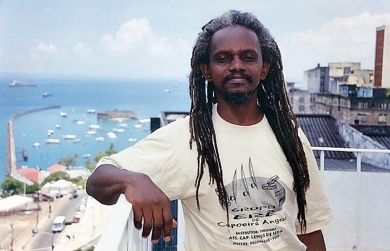 Compositor e mestre de capoeira baiano Romualdo Rosário da Costa foi morto a facadas, na Bahia, por motivação política, no último dia 8