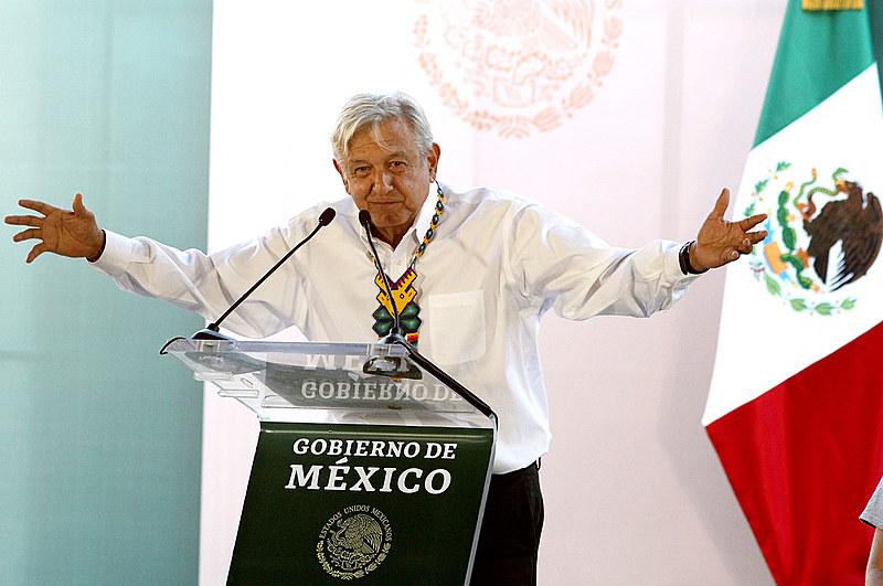 O líder progressista do partido Morena, Andrés Manuel López Obrador (AMLO), tomou posse em dezembro de 2018