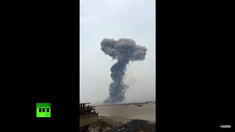Explosão em fábrica de agrotóxicos na China foi sentida a até 40 km de distância e provocou destruição em um raio de 5 km