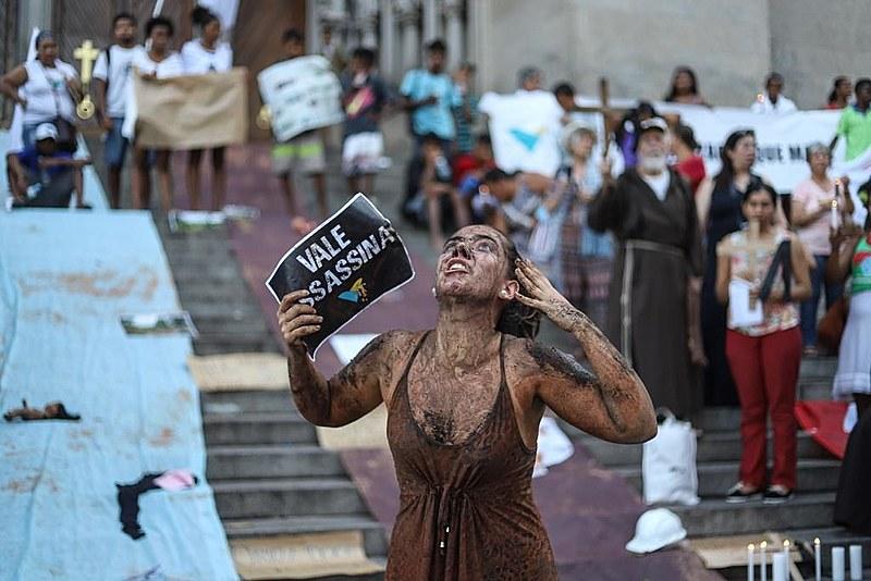 Ato na Praça da Sé, em São Paulo (SP) nesta sexta-feira (1º) em solidariedade e por justiça para os atingidos de Brumadinho