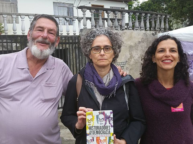 Bernardo, Beatriz e Mariana: apoio e solidariedade ao ex-presidente Lula