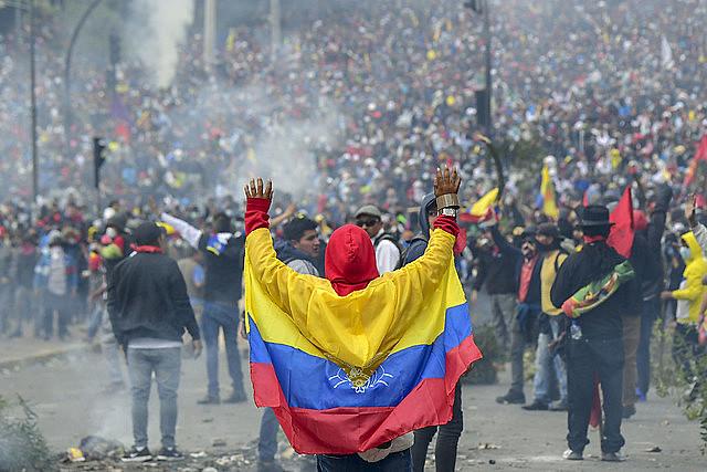 Revoltas populares eclodiram contra a política neoliberal em diversos países latino-americanos em 2019